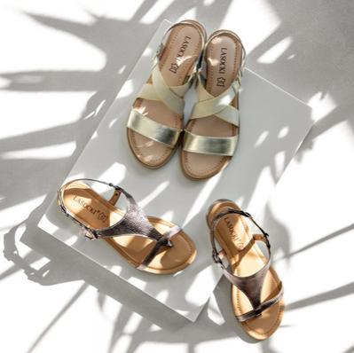 Стилните и удобните сандали са винаги на мода.